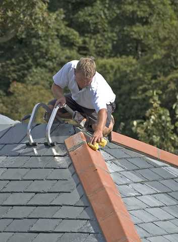 New Build: Should I Choose A Flat or Pitched Roof?